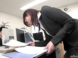 Office girl strips and masturbates in on the toilet on her break