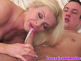 Cougar lady banged nicely and jizzed in mouth