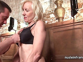 Sexy amateur french mature deep analized with mouth in a bar