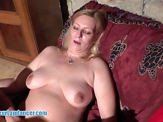This MILF is a gorgeous lapdancer