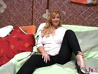 Pregnant blonde fucking while calling customer support