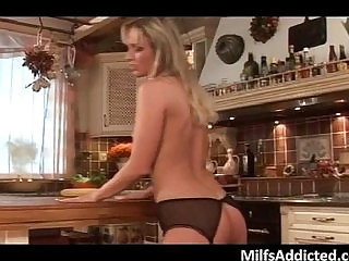 Hot blonde MILF gets mouth and pussy