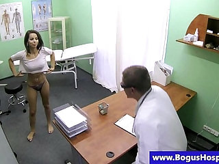 Faux doctor pussy ravaging patient