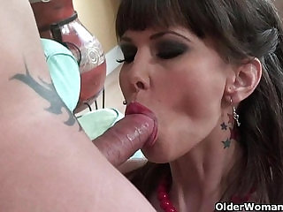 Milf Carrie Ann gets her pussy fucked deep