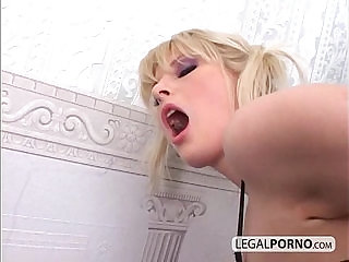 Lucky guy got it all with blondes NL