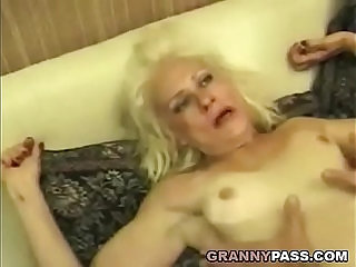 Squirting Granny Takes Rough face Fucking