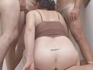 Amateur fat woman fucked by two cocks