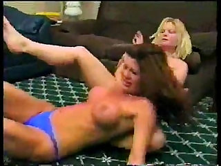 topless catfight Candi vs Hollywood